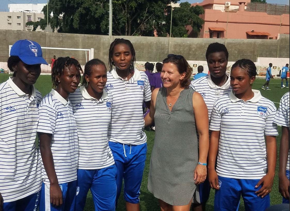 PHOTOS - Visite de Mme Roxana MARACINEANU, Ministre des Sports à Dakar Sacré-Cœur (DSC) accompagnée par le Président de Paris 2024,Tony ESTANGUET, et du Directeur général de l'Agence Française de Développement, Rémy RIOUX
