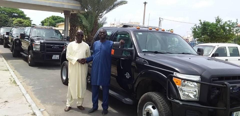 PHOTOS-L'incroyable parc automobile de Me Abdoulaye Wade