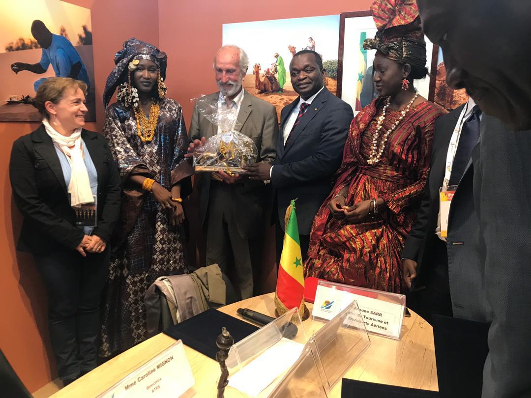 PHOTOS+VIDEO- Signature de protocole d'accord entre le Gouvernement du Sénégal et le syndicat des Entreprises du Tour Operating (SETO)