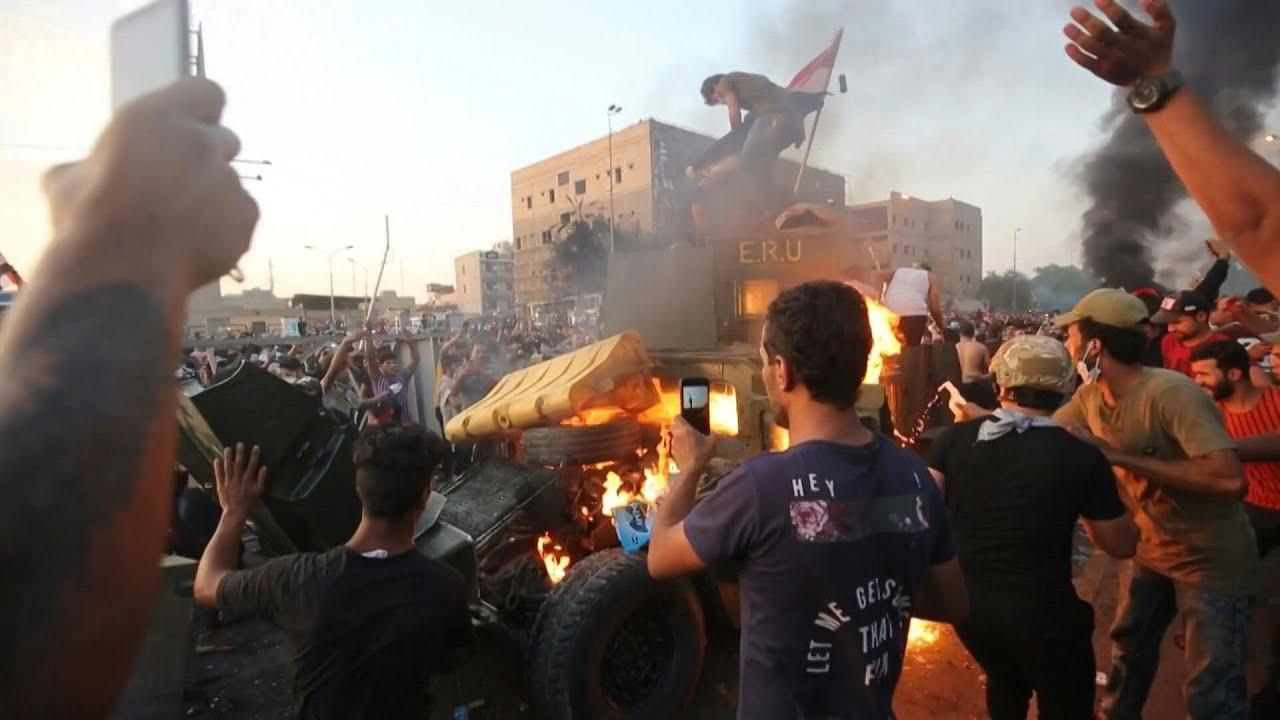 Irak : la contestation se poursuit malgré le couvre-feu, le bilan humain s'alourdit