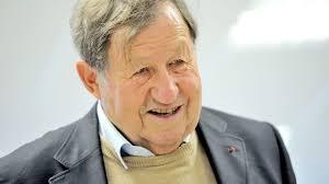 Le 18 octobre, c'est l'anniversaire de Guy Roux, 81 ans: A l'occasion de ses 80 ans, il a dressé son onze idéal durant 40 ans de carrière