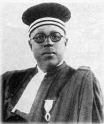 Le 19 octobre 1947, Lamine Gueye, garde son fauteuil lors des élections municipales