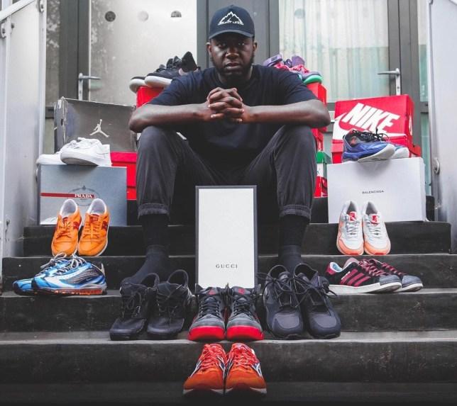 Moosa Nsubuga : Le musulman qui offre 170 chaussures de sport aux sans-abris chaque mois