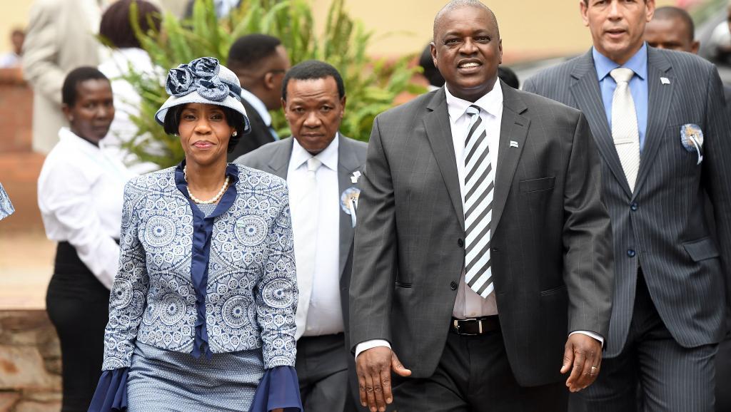 Au Botswana, le président sortant Mokgweetsi Masisi remporte les élections