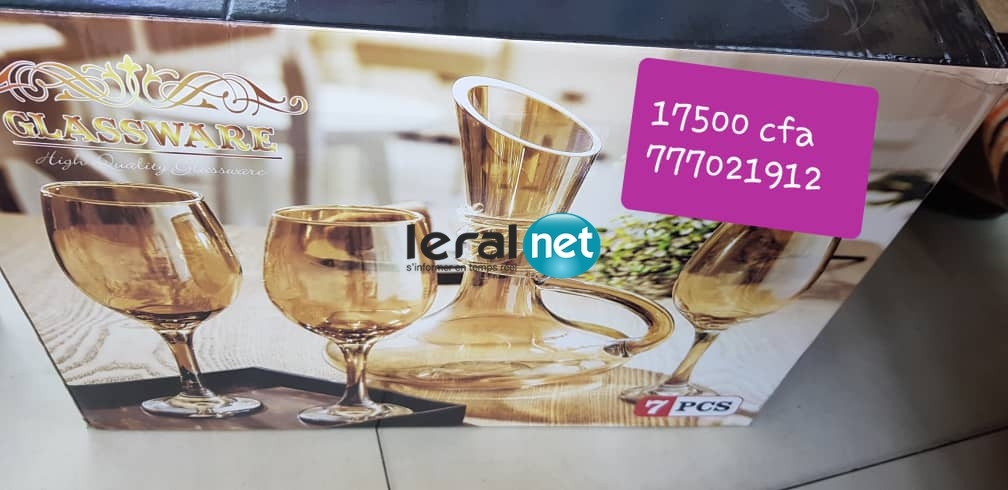 Vaisselle design, Service de table moderne, Assiettes  chez Ndèye Bineta