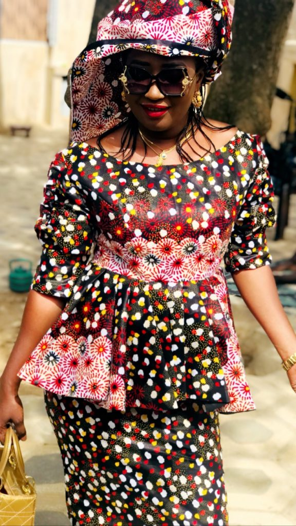 PHOTOS - Ndèye Ndiaye illumine la toile avec ses nouveaux clichés
