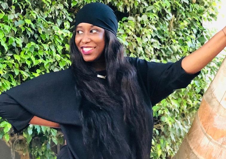 Les nouvelles photos de Chabii, l'actrice fière de ses rondeurs, met en avant ses atouts de femme
