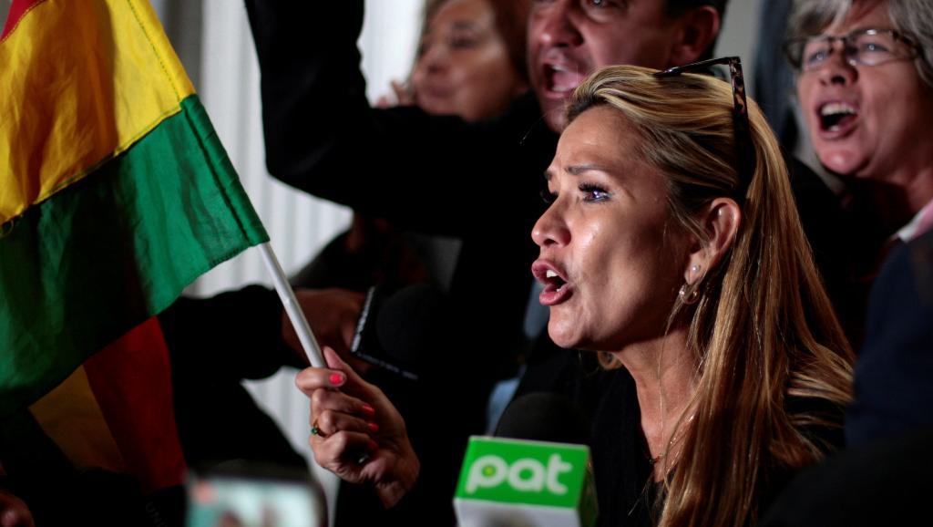 Bolivie: La sénatrice Jeanine Añez se proclame Présidente par intérim