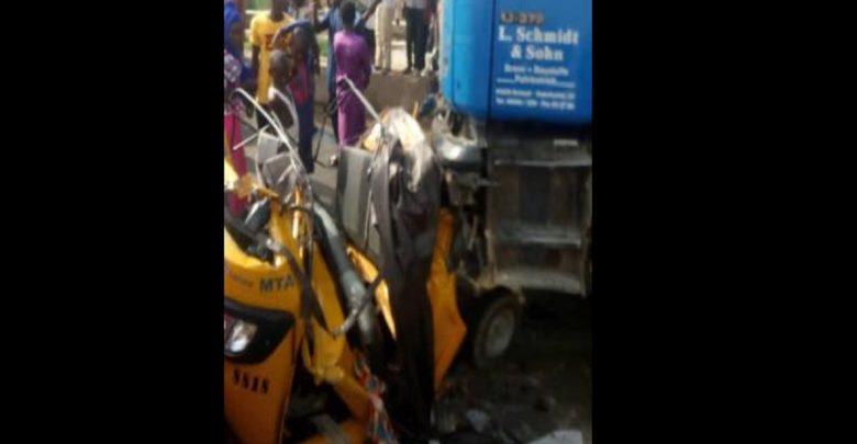 Nigéria: 20 personnes écrasées à mort par un camion poursuivi par la police