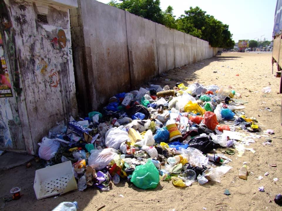 Photos: L'église Saint Maurice devenue un dépotoir d'ordures