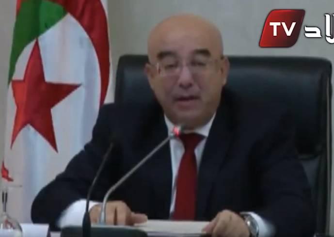 Algérie : le ministre de l'Intérieur traite les opposants à la présidentielle de « traîtres » et « d'homosexuels »