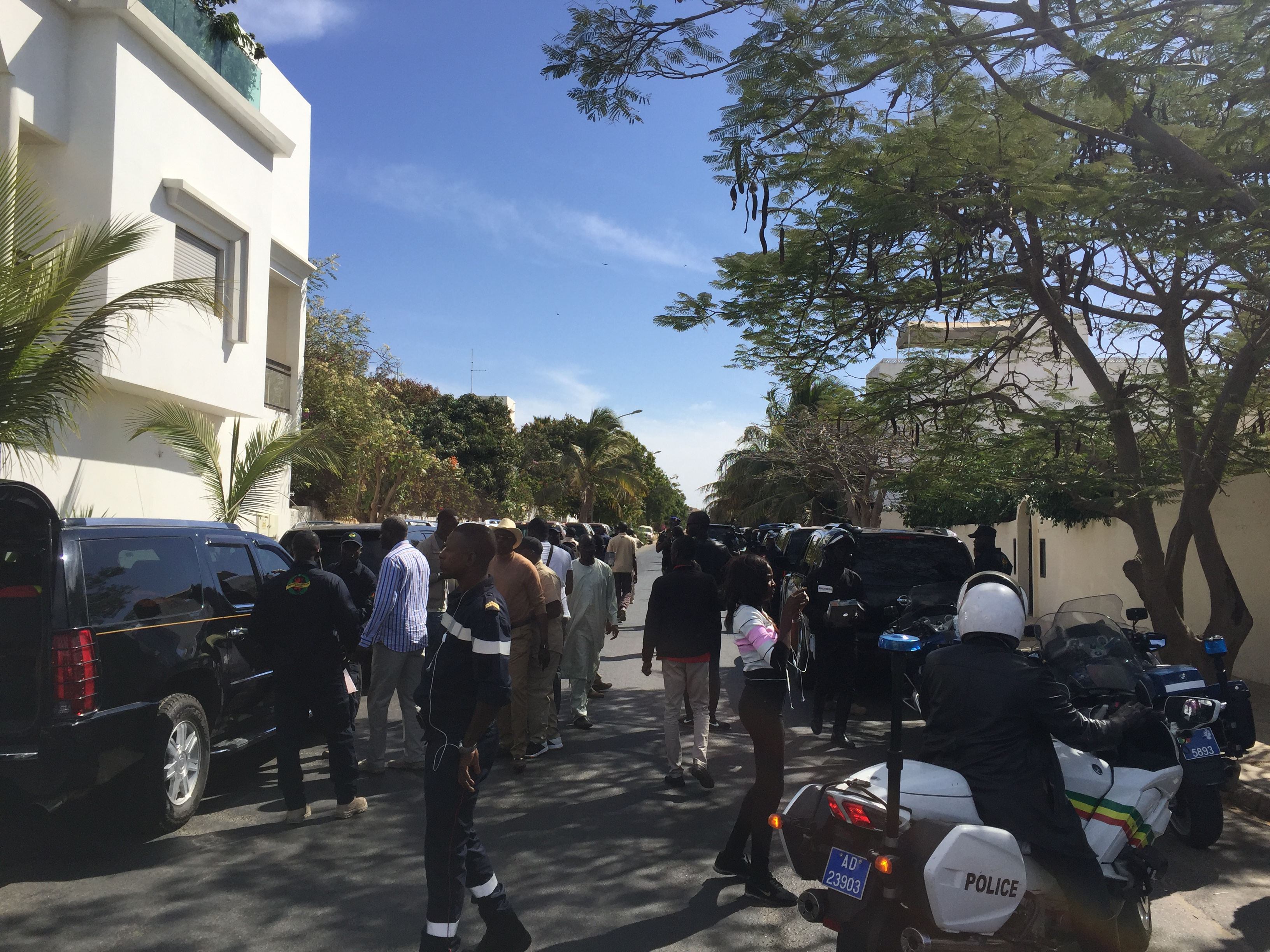 Une quantité importante de gas-oil déversée près du domicile de Macky Sall à Mermoz : Les populations s'interrogent sur les motivations des « auteurs »