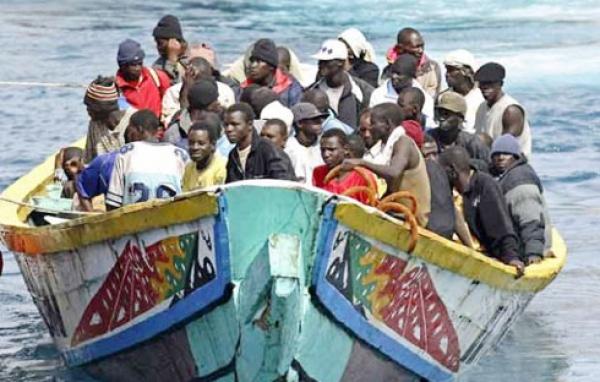 Urgent: Une pirogue transportant des migrants interceptée  à Soumbédioune