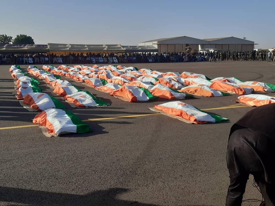 Niger : hommage aux soldats tués dans l'attaque djihadiste à Inates