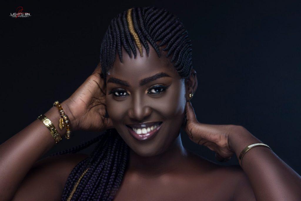 La face cachée de Dior Mbaye, une noirceur d'ébène qui enflamme les réseaux sociaux avec ses clichés