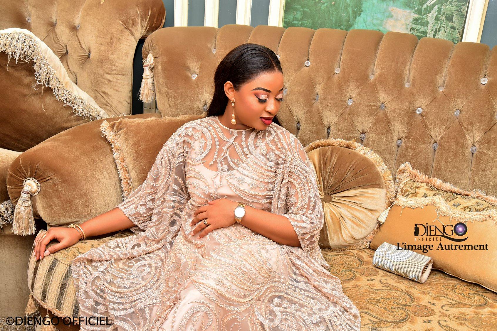 PHOTOS - Baptême: Jolie Fall illumine la toile avec ses tenues très classe