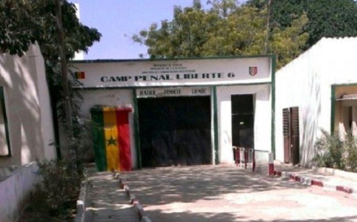 Marche devant le Camp pénal: les 9 jeunes arrêtés toujours détenus au Commissariat central
