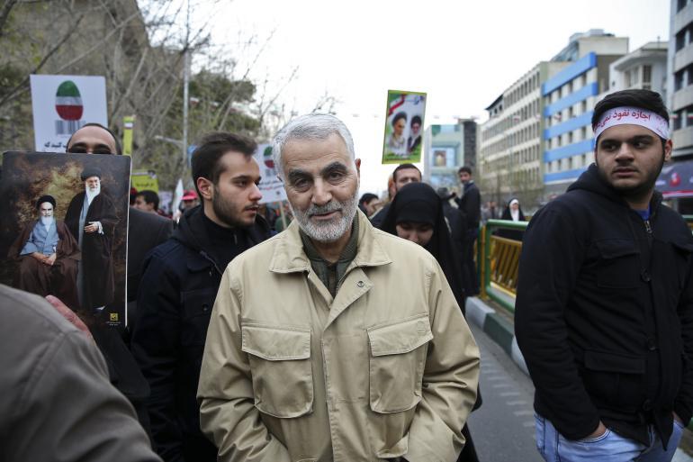 """L'Iran crie à la """"vengeance"""" contre les États-Unis après la mort du Général Soleimani"""