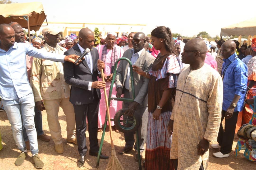 Kédougou: le Secrétaire d'Etat Mamadou Saliou Sow au service de l'éducation et de la propreté...