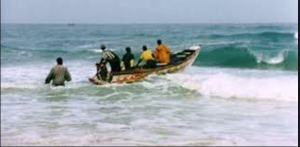 Pêcheurs sénégalais disparus en mer : la pirogue retrouvée en Gambie avec un corps sans vie