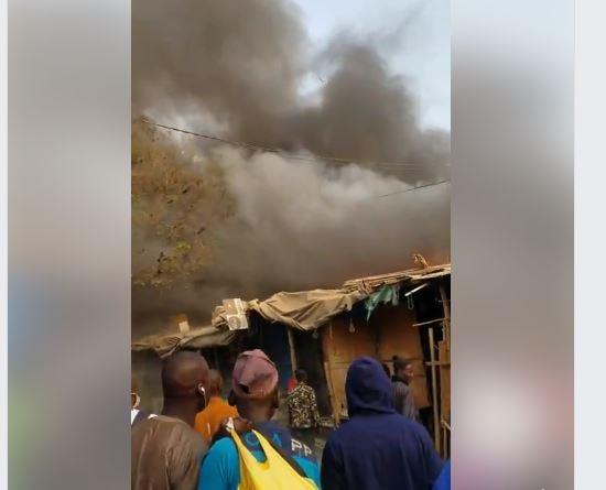 Dernière minute: Nouvel incendie au marché Petersen de Dakar