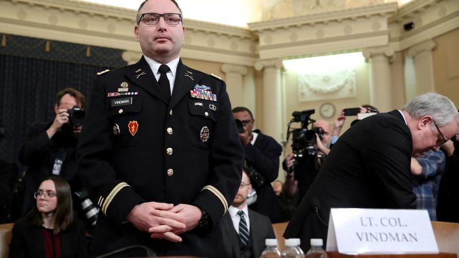 Etats-Unis: Vindman et Sondland licenciés après avoir témoigné contre Trump
