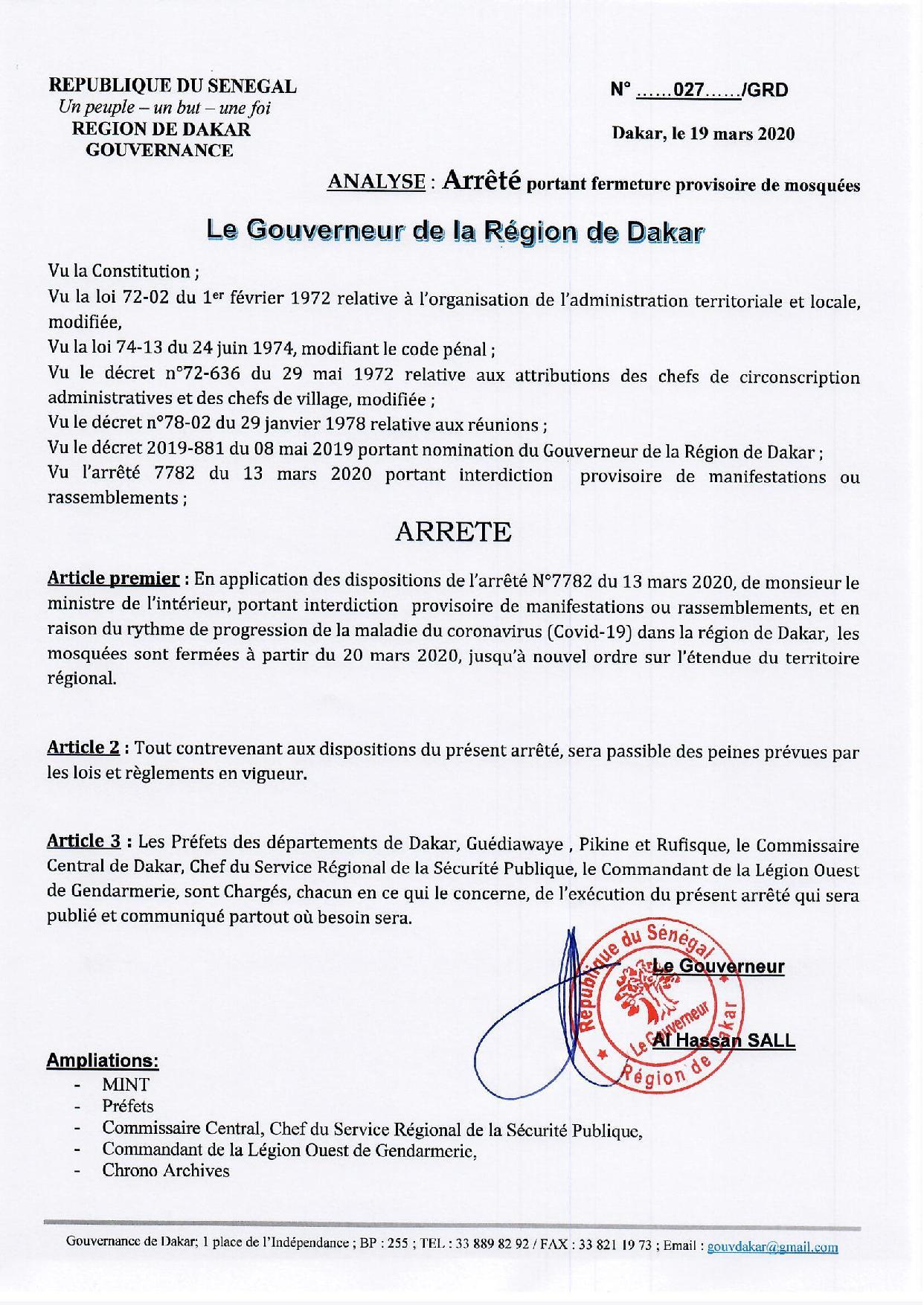 Le courageux Gouverneur Al Hassan Sall ferme tous les mosquées de Dakar, pour le bien de la communauté