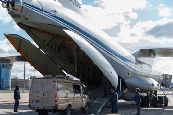 Coronavirus : Le premier des 9 avions russes transportant de l'aide s'envole vers l'Italie
