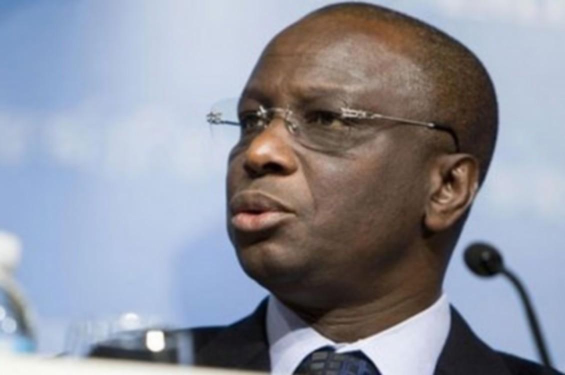 Lutte contre la pandémie à Thiès. L'ex-ministre Abdoulaye Diop remet un chèque de 10 000 000 FCfa
