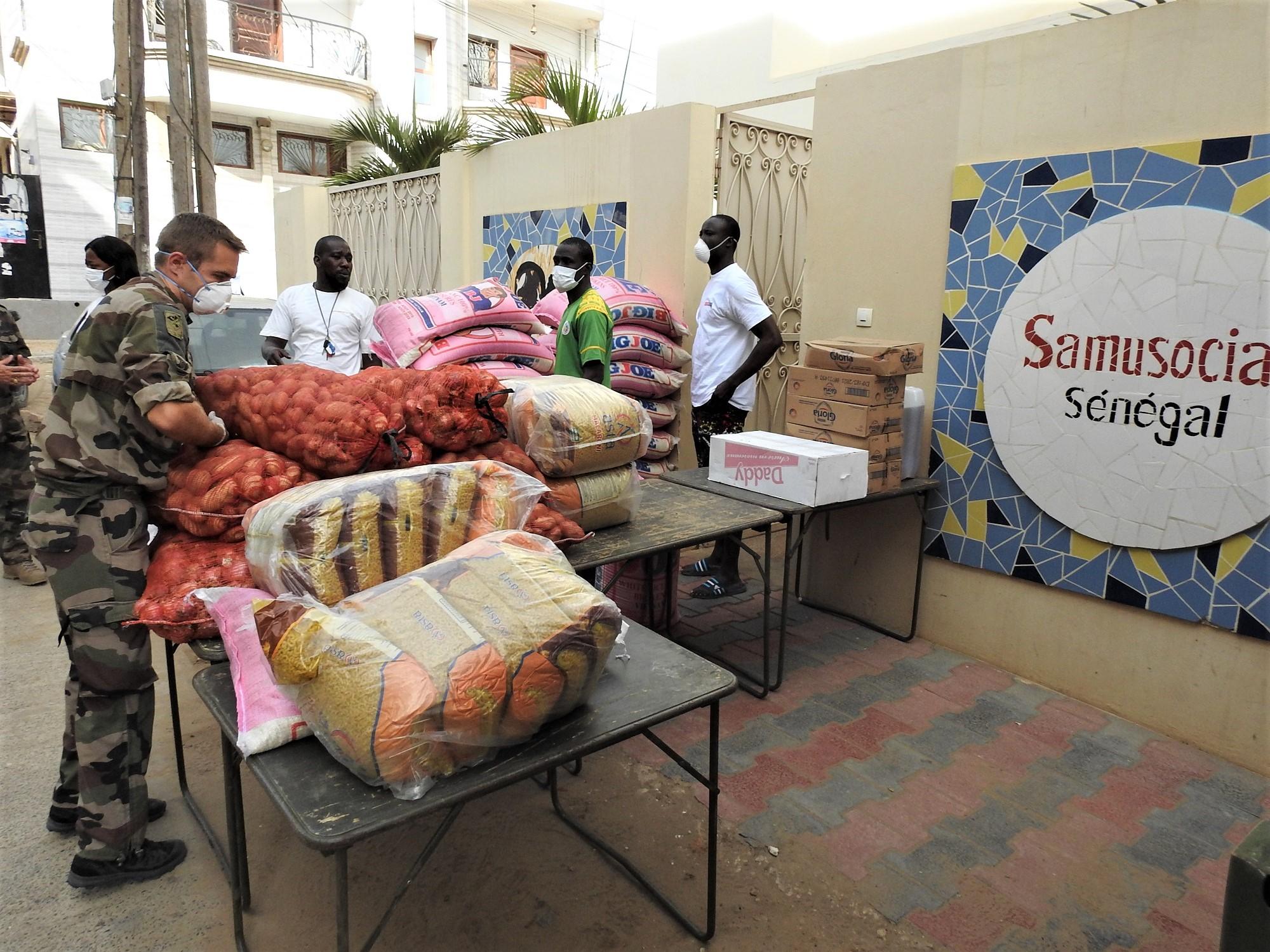 Les Eléments français au Sénégal poursuivent leur action avec le SAMUSOCIAL à Ouakam