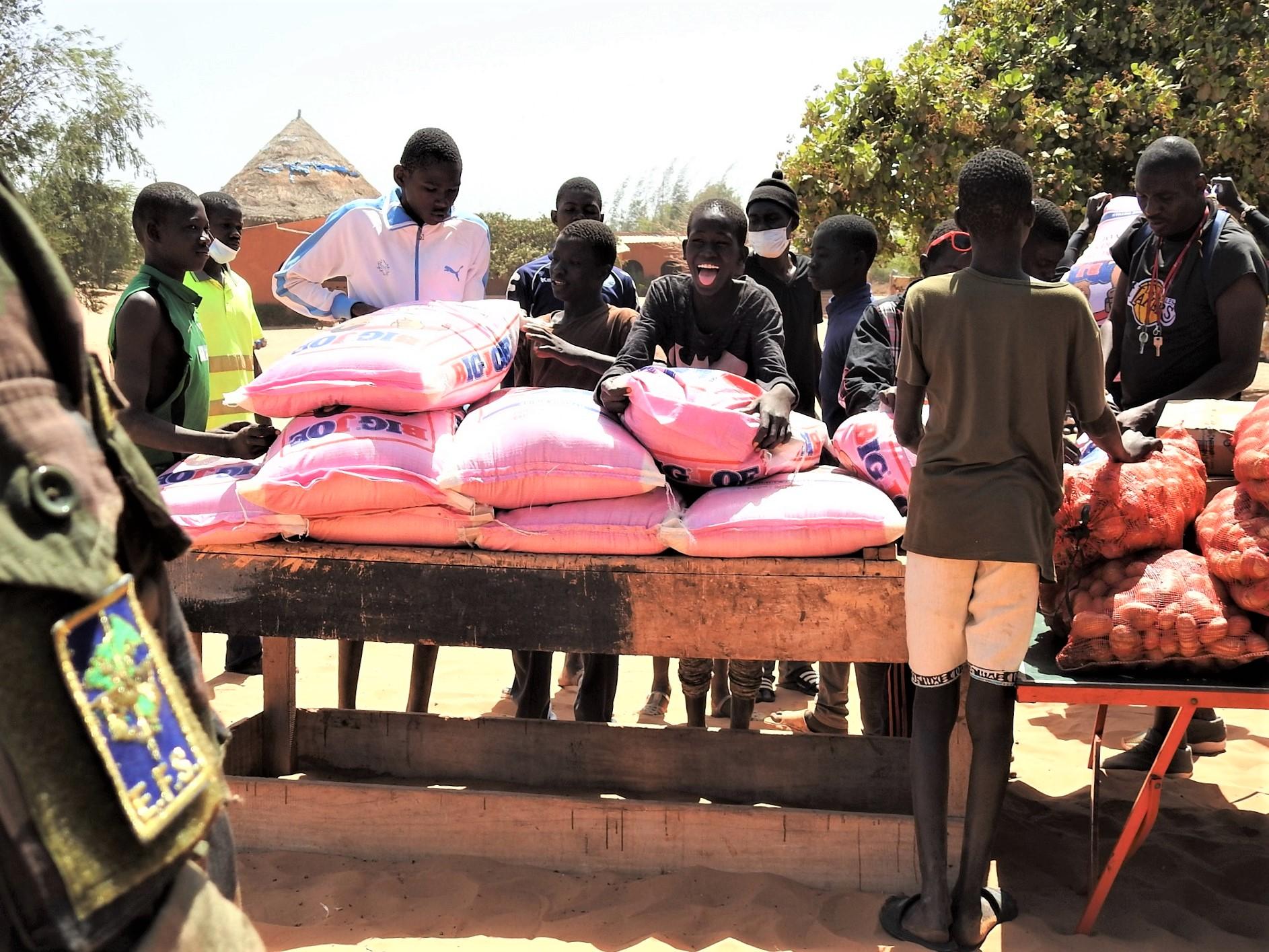 Les Eléments français au Sénégal soutiennent les enfants de Village Pilote