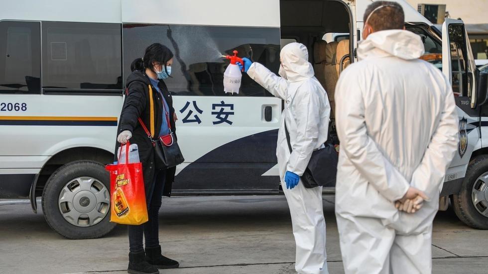 Le coronavirus pourrait voyager jusqu'à 4 mètres d'un malade, selon une étude