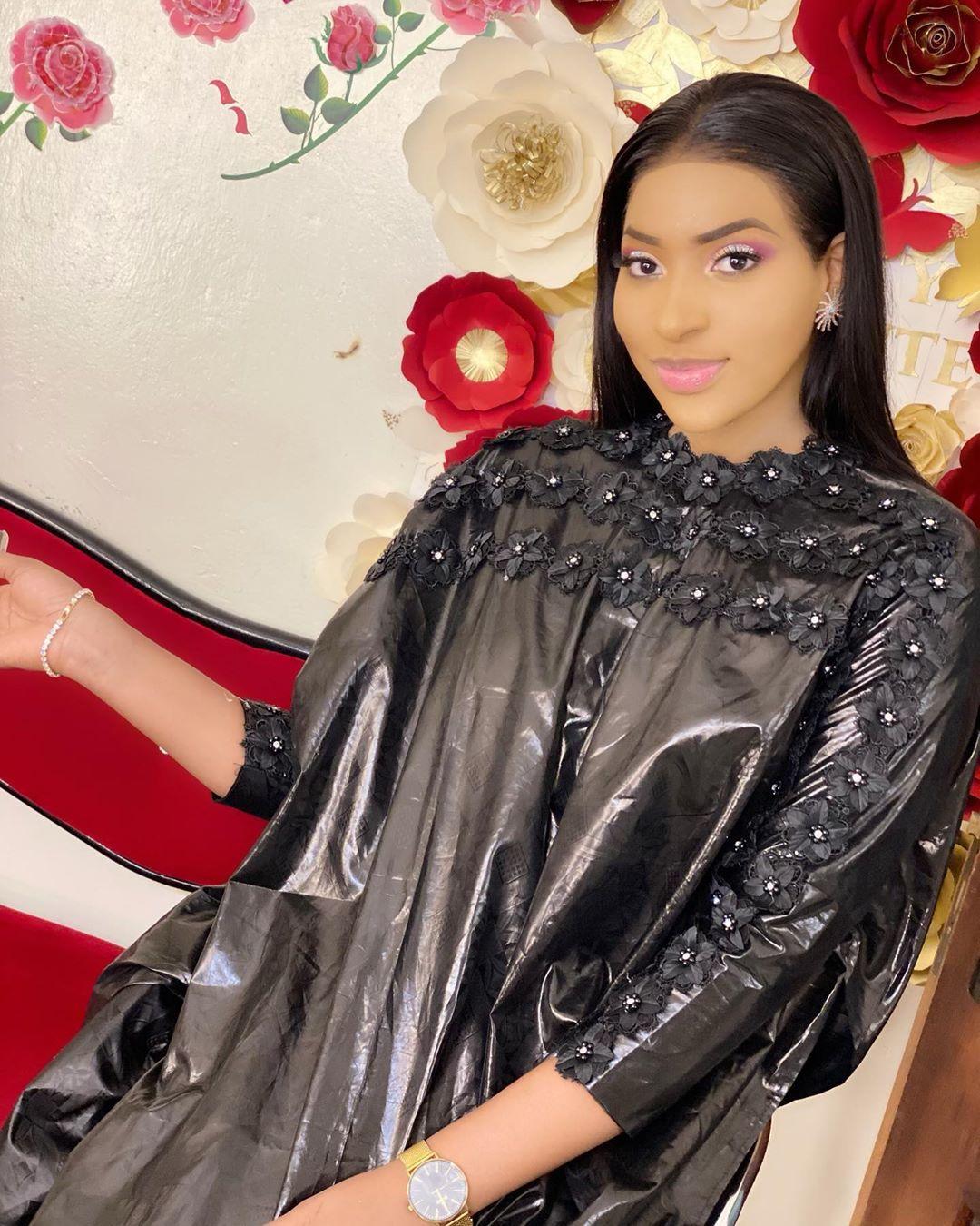 Oumy, l'actrice de la série « Golden », une beauté angélique