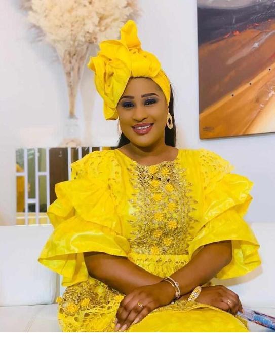 Esther Ndiaye alias Racky, toute sublime dans cette tenue à vous couper le souffle !