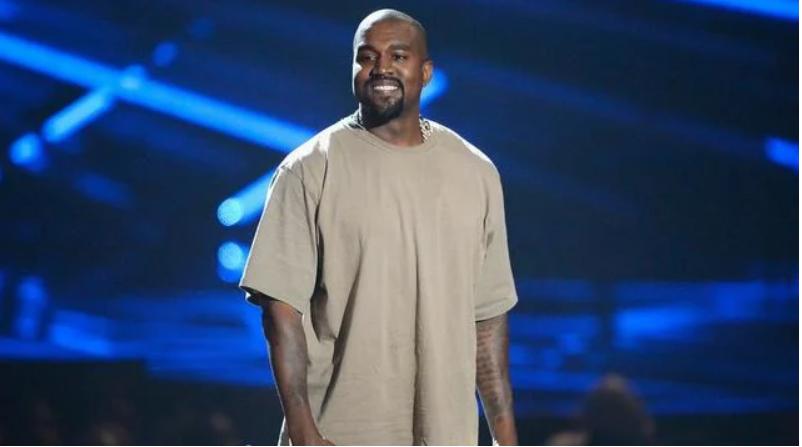 Kanye West s'engage à payer la totalité des études de la fille de George  Floyd
