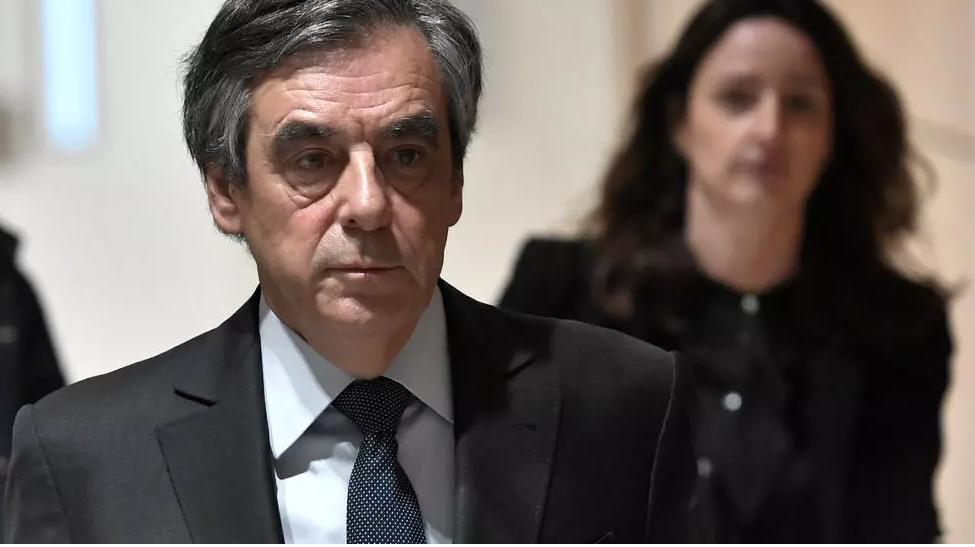 Affaire Fillon: Emmanuel Macron saisit le Conseil supérieur de la magistrature