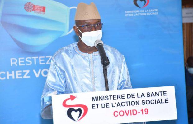 """Covid -19: Aly Ngouille Ndiaye """"porte"""" le masque pour trois mois"""
