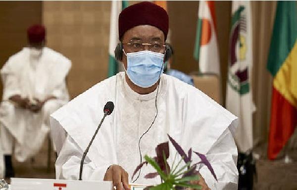 Mali : IBK nomme un gouvernement restreint de 6 membres, sans union nationale