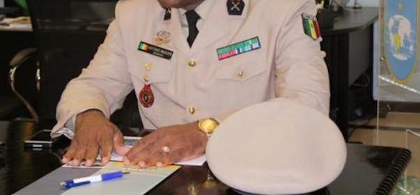 Un colonel à la retraite traîné en justice...