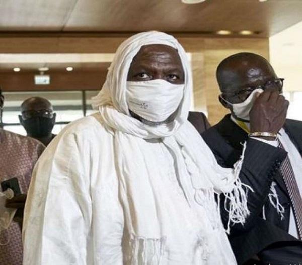 Mali : « La France doit nous respecter », fulmine l'imam Mahmoud Dicko, qui l'accuse  d'ingérence dans la crise