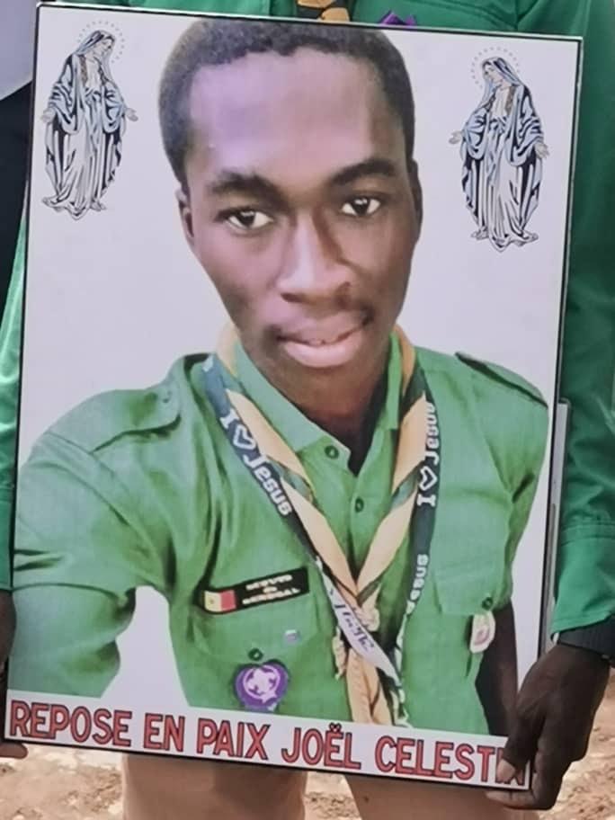 Etudiant tué: les éclaireurs rendent un dernier hommage à Joël Célestin Ahyi (Photos)