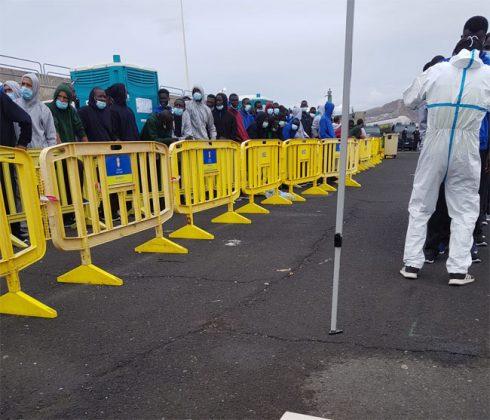 Afflux de migrants aux Iles Canaries: 228 arrivées en 2 jours, les centres de rétention débordés