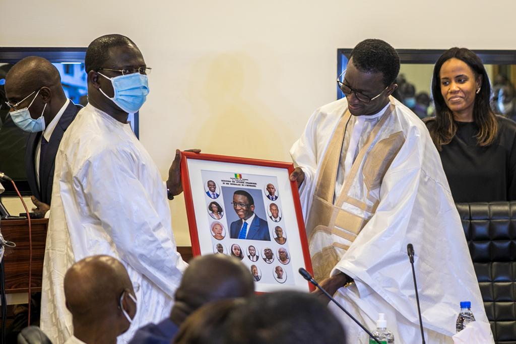 Passation de service entre Amadou Bâ et Aïssata Tall Sall: Les images !