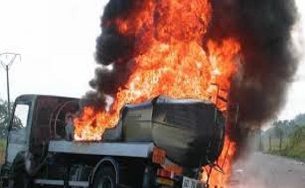 Drame à Kaolack: 3 morts et 8 blessés après l'explosion de 2 camions-citernes d'essence