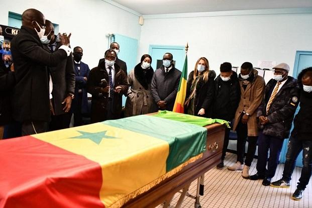 Derniers hommages à Papa Bouba Diop: Sa femme, ses enfants et les anciens joueurs sénégalais de 2002 en larmes