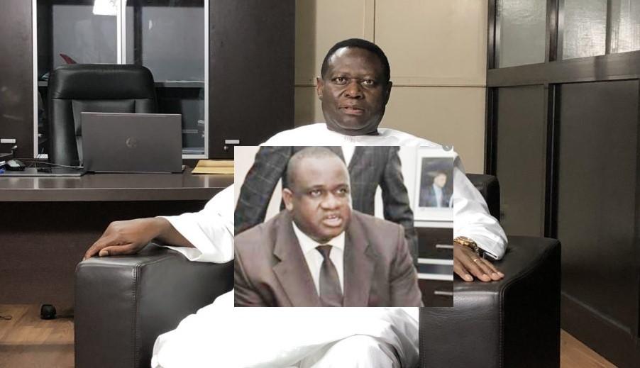 Ils savent que le vieux Amadou Ba ne sait ni lire , ni écrire...