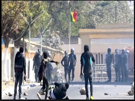 Affrontements à l'Ucad: Le Pr. Babacar Diop et 5 étudiants arrêtés