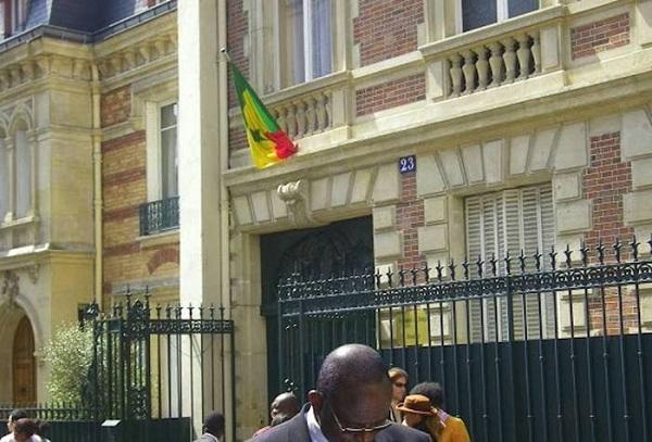 Vente de laissez-passer: Quand notre Consulat de Paris se crée un business avec un document gratuit...