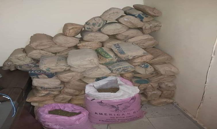 Route de Fafakourou: 127 kilos de yamba saisis