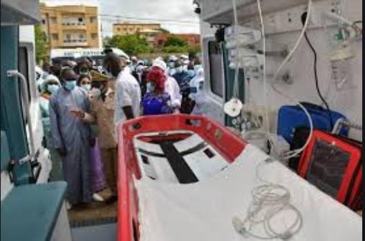 Poursuite de la décentralisation effective: Macky Sall demande le renforcement du SAMU NATIONAL